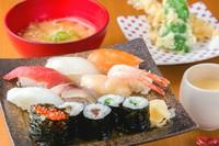 人気ランチ 寿司・天ぷらどちらも食べたい方におすすめのよくばりメニュー『お寿司盛りお盆』