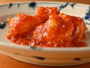 『天然海老オリジナルソース』に使用「天然海老」と「トマト」