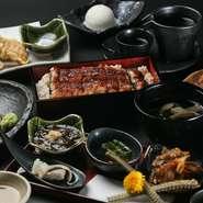 90年以上の歴史を誇る食品卸業社【株式会社中庄商店】を親会社に持ち、そこで目利きされた確かな鰻を一本まるごと提供するスタイルが人気。金沢にある市場の仲卸から直送の旬魚も味わえます。