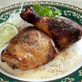 肉の旨みをしっかり堪能!『山原鶏(やんばるどり)のガイヤーン』