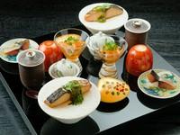 いろいろな料理が一度に愉しめる、季節の味を詰め込んだ『八寸盛り合わせ』