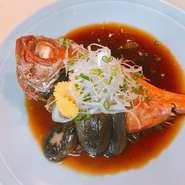 最高級の金目鯛を、贅沢に一匹煮付にしました。当店の名物商品です。 【価格】税抜 1480円 【価格】税込 1628円