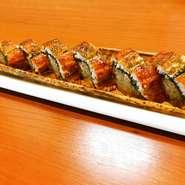 丁寧に握られた寿司9貫の盛合せです。独自の配合で酢をブレンドしたシャリは、口の中でパラっとほぐれる絶妙な握り加減。ネタとの一体感を保ちつつ、素材の旨さを引き立てています。寿司は単品注文も可能です。