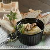 豆腐みたいなチーズがお酒にぴったり 男女問わず人気の『チーズ豆腐』