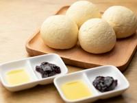 ふわふわモチモチの白いパン『焼き立て自家製パン(お替り自由)』
