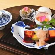 主軸となるコースです 旬の魚介、直送の野菜、厳選の肉、手打ちの蕎麦等、秀逸の和食をご堪能ください