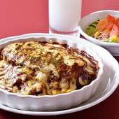 チーズ×ハンバーグ×カレー、おいしさの三重奏『グリルバーグカレー』