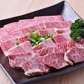 牛肉の上等な部位を堪能できる『九州産 黒毛和牛3種盛り(大)』
