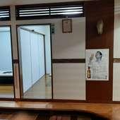 小上がりにはいくつかの個室を用意。用途に応じて利用できます