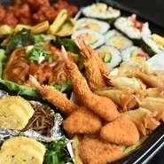 料理長自慢の料理が詰まった、江南食堂オリジナルオードブルをご家庭に。 年末年始だけではなく、お盆やシーミーなど沖縄の年中行事にも対応致します。 その他、お祝い行事などにも最適ですので、是非ご利用下さい。