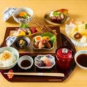 コース仕立てで提供される『贅沢ランチ』。日本の四季を優美な料理で見事に表現