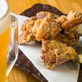 片栗粉と米粉をブレンドした衣のおかげで、よりサクサクな仕上がりに。食べ応えも十分の『鶏のから揚げ』