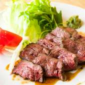 精肉店で培った確かな目利き。選び抜かれた和牛を満喫できる『きまぐれ和牛網焼きステーキ』
