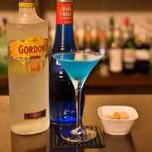 南国の海を思わせる淡いブルー。甘さと酸味のバランスがいい『ブルーレディ』