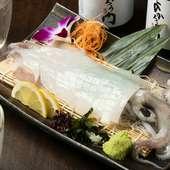 甘味のあるイカを豪快なお造りと天ぷらで『ヤリイカの姿造り』