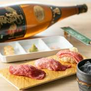 A4~5ランクの黒毛和牛×北海道産の米。贅沢な肉寿司が人気