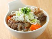 トロッ、コリッ。2種類の食感を楽しめる『味噌牛スジ煮込み』