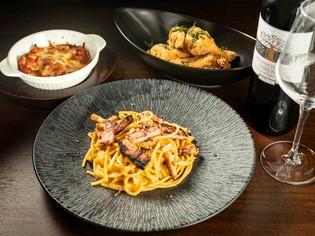 イタリアンに欠かせないパスタ麺・トマトソース・オリーブオイル