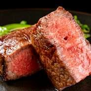 全国各地の厳選和牛をこだわりの炉窯で焼き上げる『料理長厳選の窯焼き和牛ステーキ』