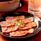 秘伝の味噌を使用。口の中で肉の旨みと甘みが広がる『豚味噌ロース』