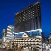 特徴的な外観を持つホテルロイヤルクラシック大阪内のレストラン