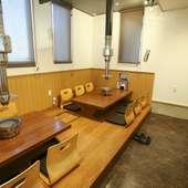 小上がりの座敷席は、気軽な会食やファミリー客にぴったり