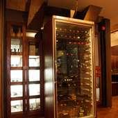 こだわりのワインは常時、数10種類がそろっています