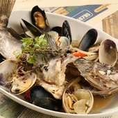 本日の鮮魚とアサリのアクアパッツァ