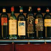 平野氏が厳選したワインをセットにしたものも販売中