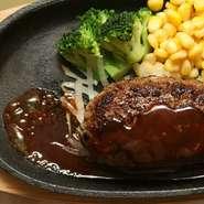 鉄板ハンバーグステーキセット 150g ライス、スープ付  ¥1,180~+tax
