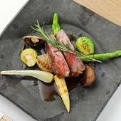 A5ランクの和牛ロースの旨みと柔らかさが際立つ『和牛ロースと彩野菜』