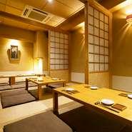 和室は3室設けており、襖を締めればそれぞれ独立した個室がつくられます。襖を開ければひと続きの部屋として使えるので、大人数で集まりたい時にオススメ。気軽に相談を。
