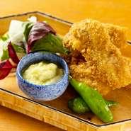 「画像は一例。広島県地御前産カキによる『カキフライ』。身が大きくてプリプリの地御前産カキは、食べ応え抜群。キャベツを使った自家製ソースの優しい甘みが、カキの旨みを引き立てます。」