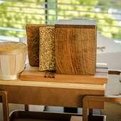 北海道の手作りバターと、厨房で焼き上げるパンがワゴンで登場