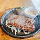 石垣牛のステーキ 雪塩ブラウンソースで
