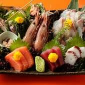 鮮度の良さはお墨付き。魚介の美味がダイレクトに伝わる『刺身盛り合わせ』