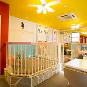 小さな子ども向けのスペースあり