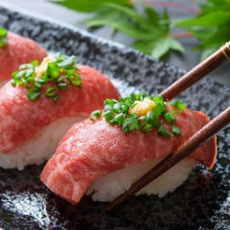 熊本直送の馬肉を使った肉料理が盛り沢山の宴会コース