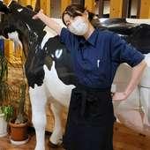 牛のオブジェがお出迎え
