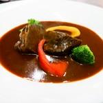 牛ほほ肉の赤ワインデミグラスソ-ス