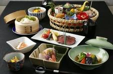 ご接待1番人気! 高級会席料理がお手軽な価格で愉しめるコストパフォーマンスの高いコース。