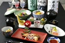 ご接待にもおススメ 全7品の会席と日本酒10種を含む豪華飲み放題付きプラン