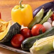 契約農家から届く朝採れの新鮮野菜を主に使用しています。野菜本来のおいしさをダイレクトに味わえるレシピを工夫しています。