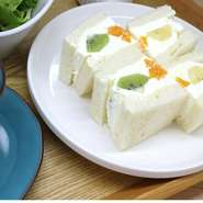 H フルーツサンドセット(フルーツサンド+サラダ)
