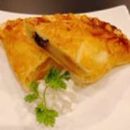 名前はミニだけど、大満足の一品。たっぷりのフルーツと濃厚なクリームに顔がほころぶ『ツインミニパフェ』