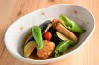 夏野菜の王様と呼ばれているゴーヤにはビタミンがたっぷり‼大和大鉄砲大豆の木綿豆腐と沖縄の海塩「しままーす」を使った夏にぴったりの一品です。