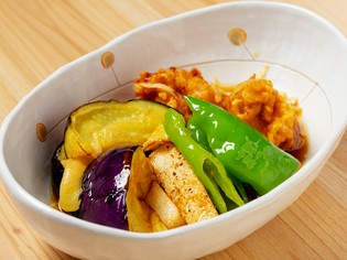 新鮮な地場の野菜や奈良の伝統野菜、豆からこだわった大鉄砲豆腐