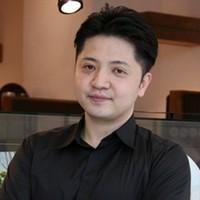 安江 勇治 氏