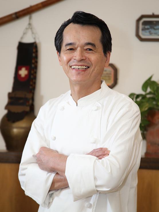 川上 利博 氏