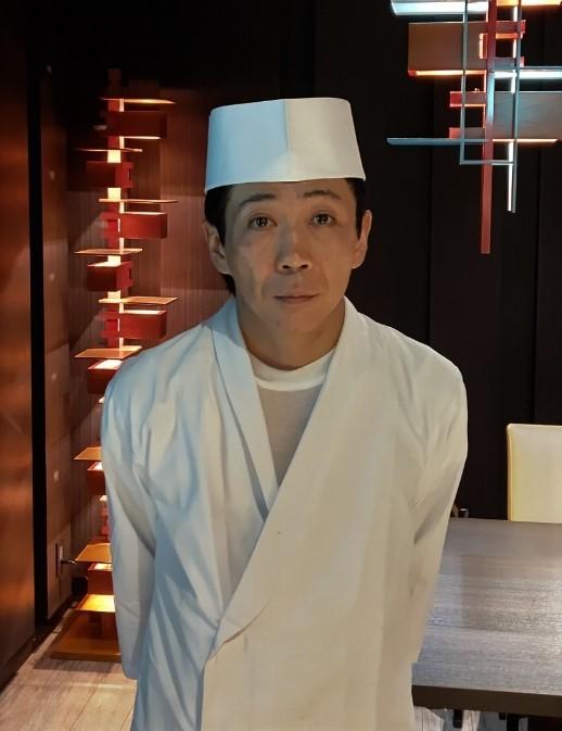 坂 友宏 氏